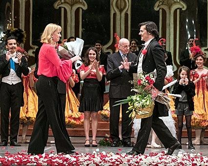 Alejandro Parente, primer bailarín del Ballet Estable del Teatro Colón, se despidió de los escenarios rodeado de aplausos, ovaciones y afecto