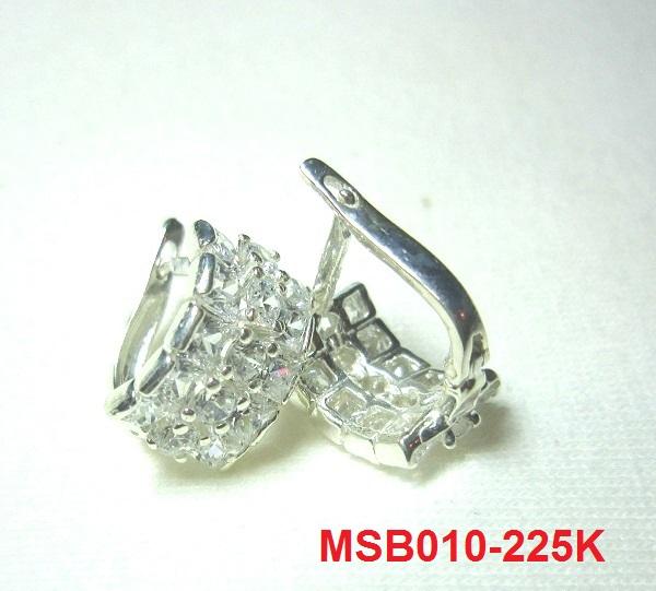 trangsuc.top - Bông tai Chanel đính đá trắng cao cấp B007 - Giá: 225,000 VNĐ - Liên hệ mua hàng: 0906 846366  (Mr.Giang)