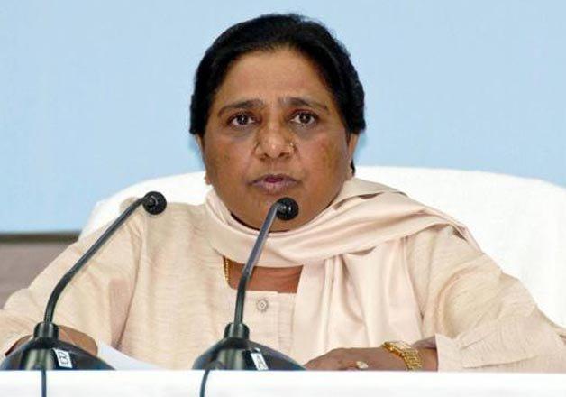 मायावती का मोदी पर हमलाः सिर्फ माथा न टेकें बल्कि संत के आदर्शों-कर्मों को अपनाएं PM