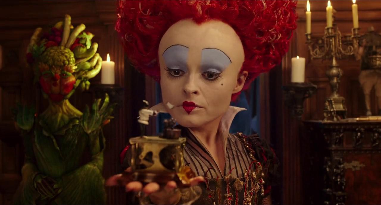 Alice Through the Looking Glass (2016) 3