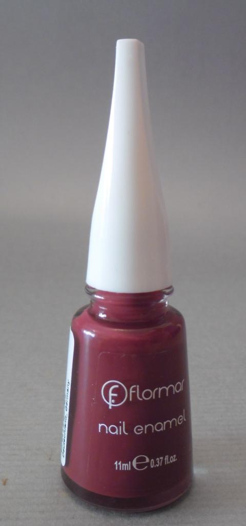 Me ha tocado el color nº228 que es un color granate muy bonito y muy clásico 8ccff86e326