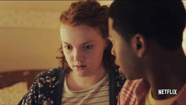 Shannon Purser e RJ Cyler na comédia romântica Sierra Burgess é uma loser.