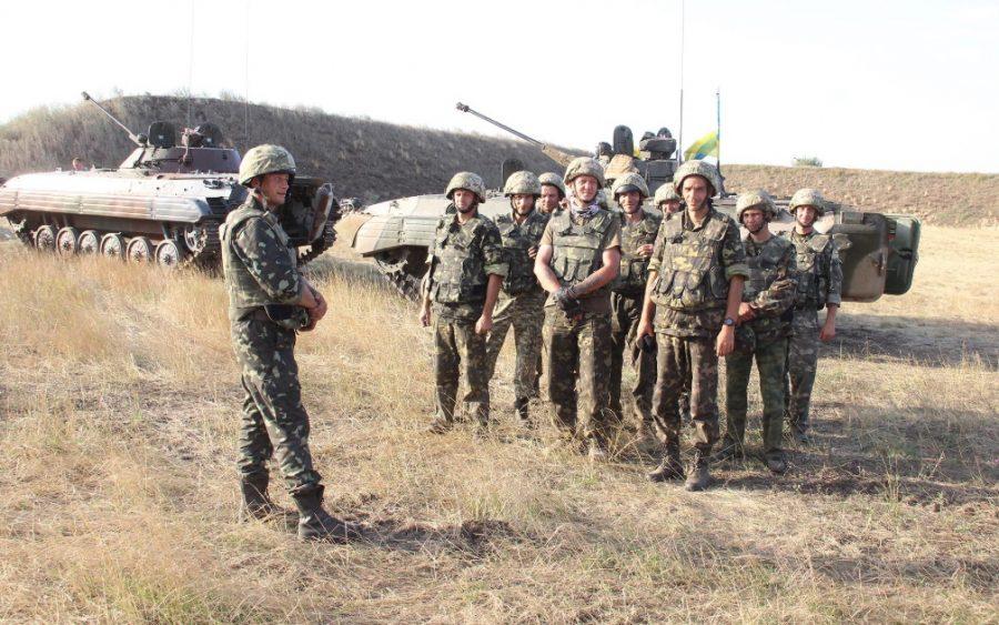 Зміна табличок в армії або чому заява про завершення першого етапу реформи неправдива