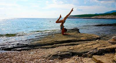 elvonulás, jóga, hatha jóga, meditáció, családállítás, Hellinger féle családállítás, LIP (Life Integration Process), csakratánc, mantra meditáció, Horvátország, Edó, Hvar, Vrboska,
