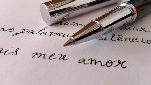 Uma lufada de romantismo cronica caligrafia caneta armazém de ideias ilimitada