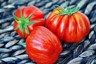 http://tomatprat.blogspot.no/2015/09/scherkhan-en-stuffing-tomat.html