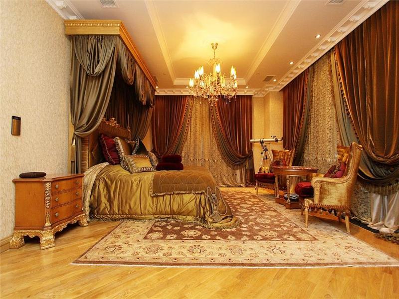 Old World Gothic and Victorian Interior Design Old World Gothic Victorian interior style pictures