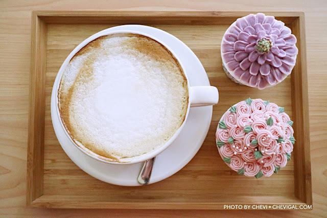 IMG 2271 - 逢甲商圈│LUSI CAFE。逢甲甜點店新開幕,精緻韓式奶油杯子蛋糕美到冒泡