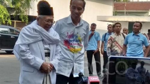 Elektabilitas Jokowi Menurun Setelah Dipasangkan dengan Ma'ruf
