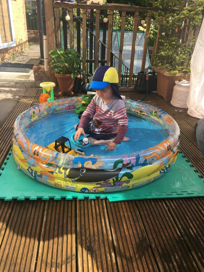 2017-year-review-May-bear-in-paddling-pool