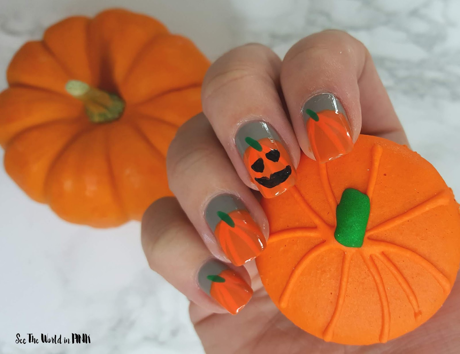 Manicure Monday - Pumpkin and Jack O' Lantern Nail Art
