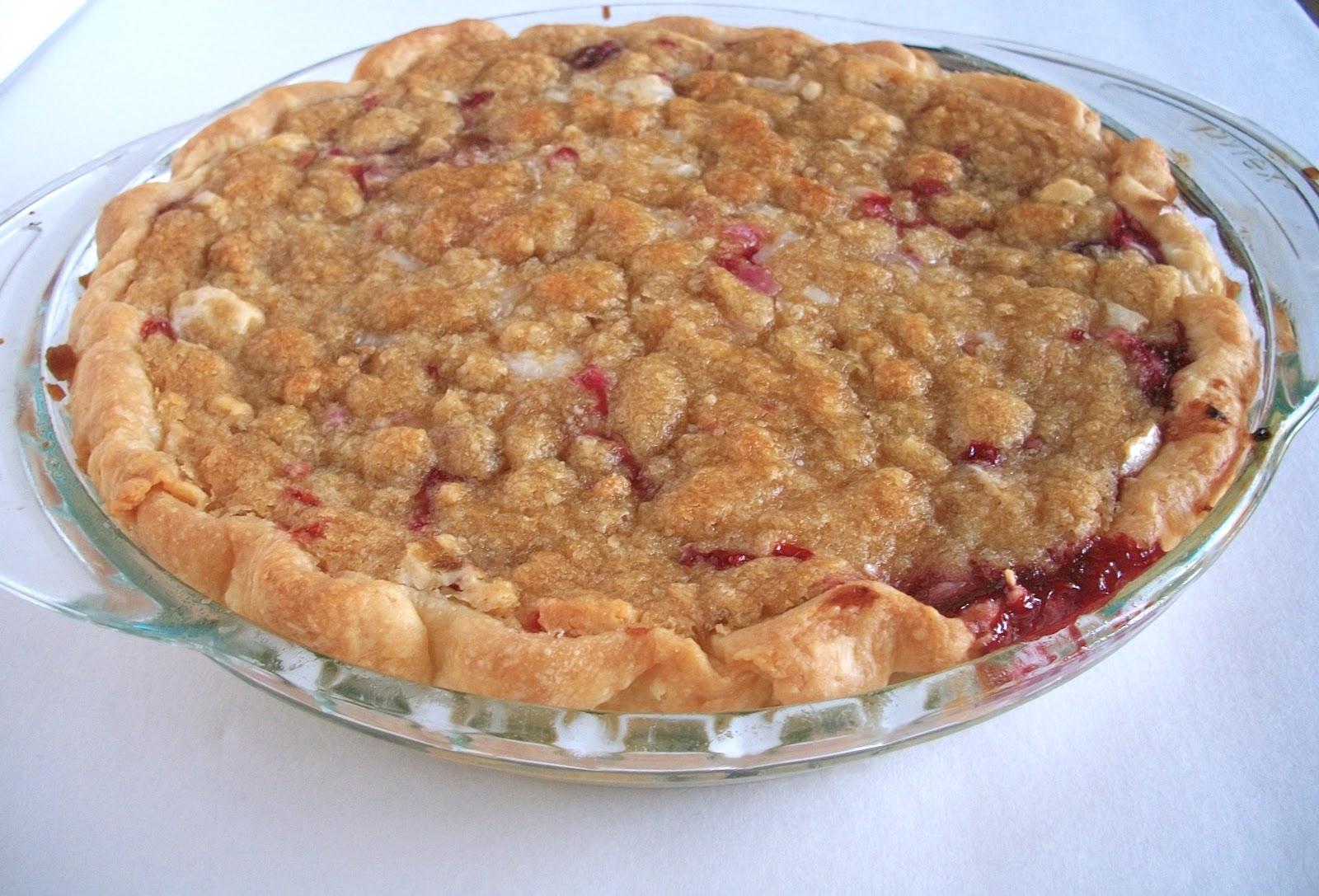 Brooke Bakes : Strawberry Raspberry Sour Cream Pie