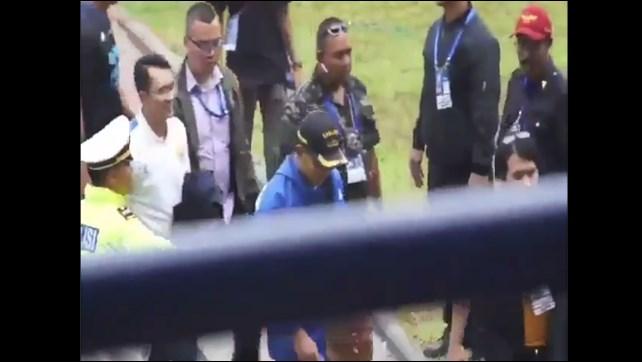 "Heboh! Suporter Persib Bandung Teriakkan ""Prabowo"" saat Ridwan Kamil Masuk Stadion"