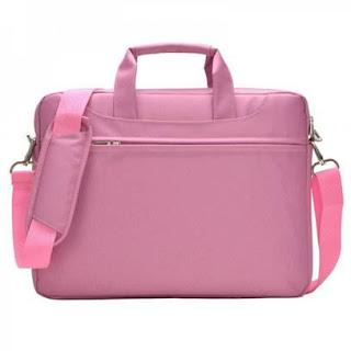 Accessoire informatique : une sacoche rose pour ordinateur portable