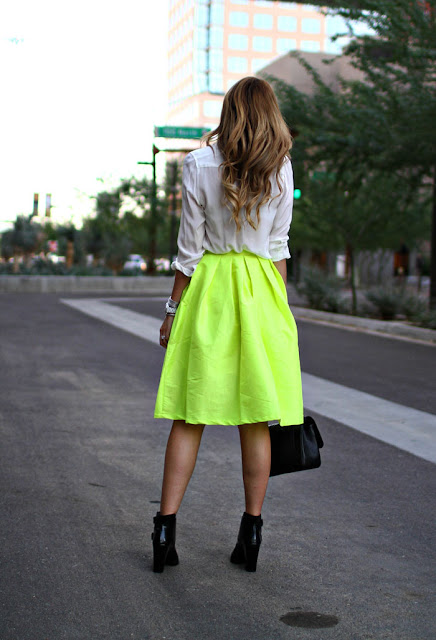 Choies Neon completa Saia, Neon completa Saia, saia completa, A Little traço de Darling, traço de Darling, Caitlin Lindquist, Neon Black and White, Bow Tie, Feminine Outfit, Fashion Blog, Fashion Blogger, estilo, estilista, Masculine Detalhes, Tibi Botas, Piper Bota, Chanel bolsa, Bolsa Jumbo, Caviar bolsa, Chanel J12 relógios, David Yurman pulseira link, David Yurman caixa de corrente, centro de Phoenix