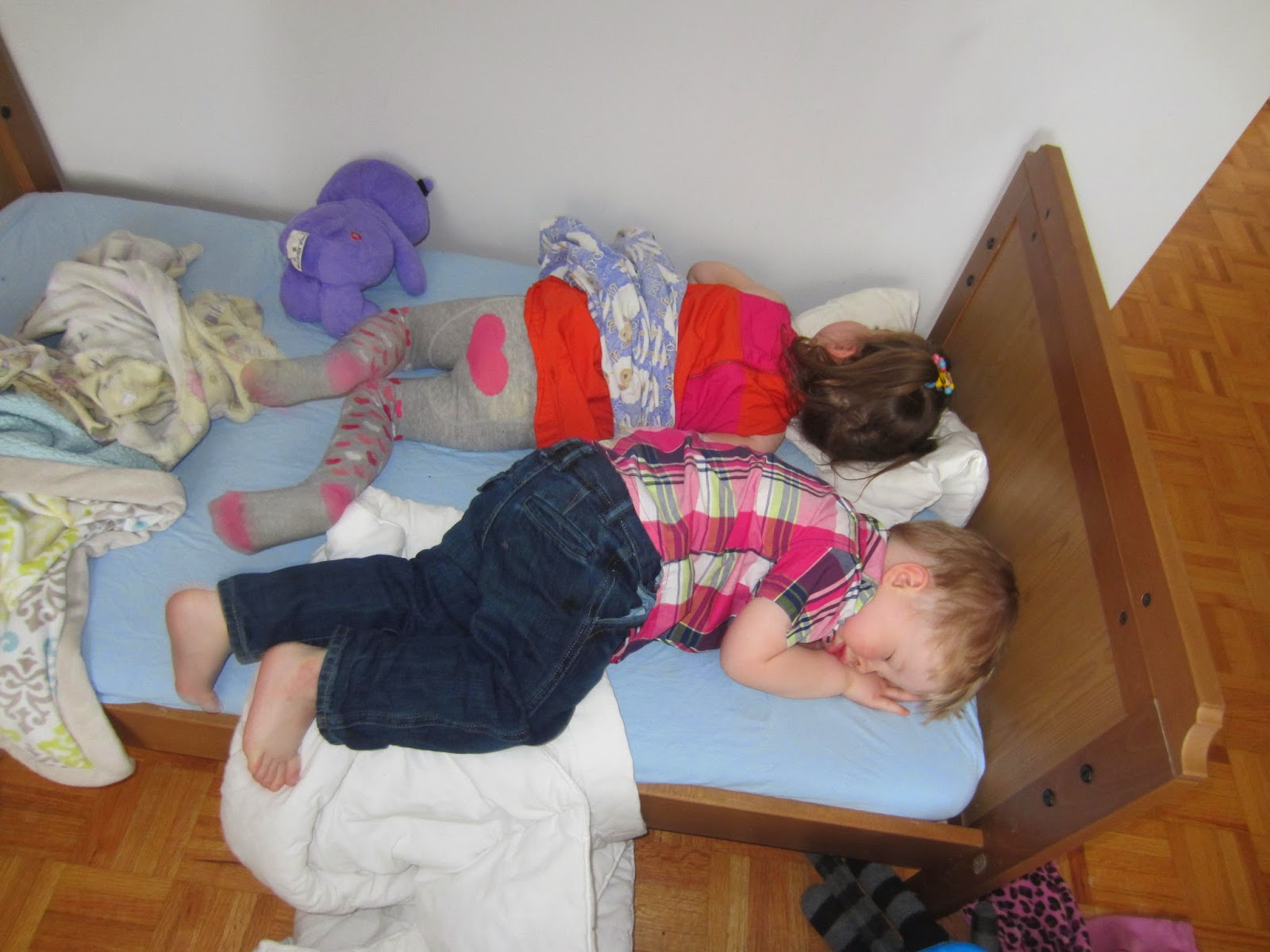 toddlers sleeping, dealing with children and nightmares