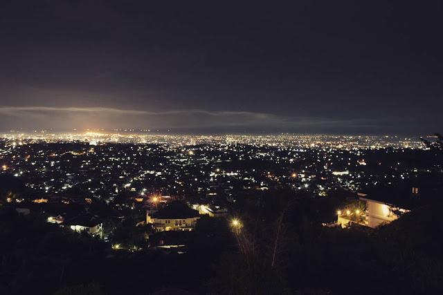 foto pemandangan dari bukit gombel semarang