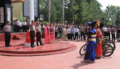 Tiru Jokowi, Kapolri Juga Bikin Kuis dan Bagi-bagi Sepeda