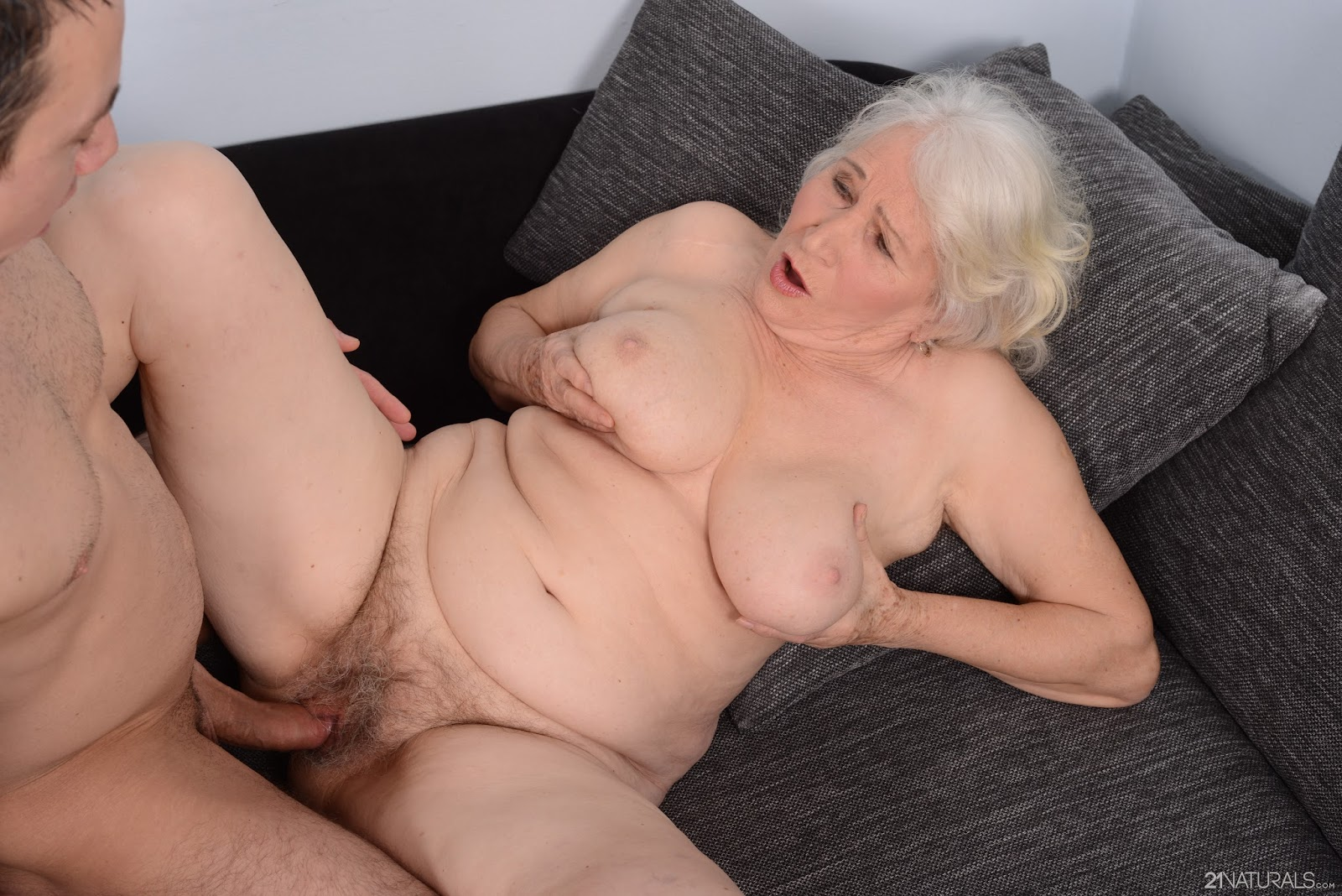 Hairy mature pussy porn