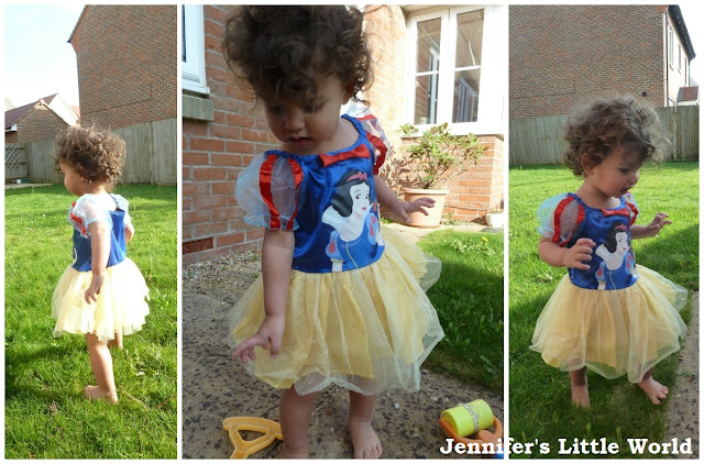Snow White ballerina fancy dress from Jokers' Masquerade