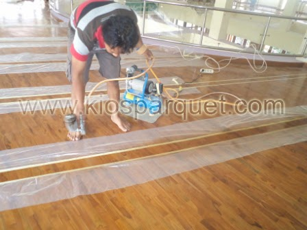 finishing lantai kayu