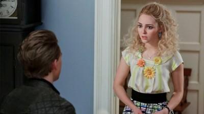 The Carrie Diaries - Season 1 Episode 13: Kiss Yesterday Goodbye