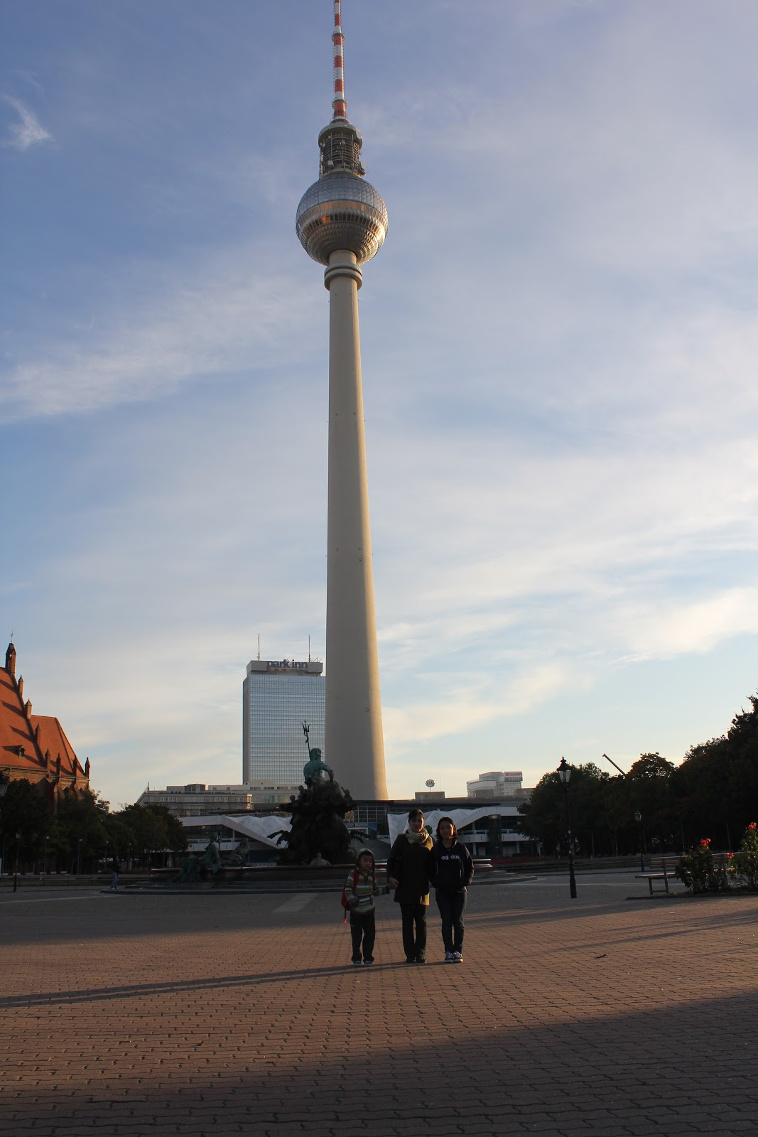 Stay Stray Play And Feast Berlin Tv Tower And The Restaurant Sphere