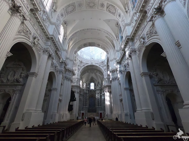 Iglesia de los Teatinos por dentro
