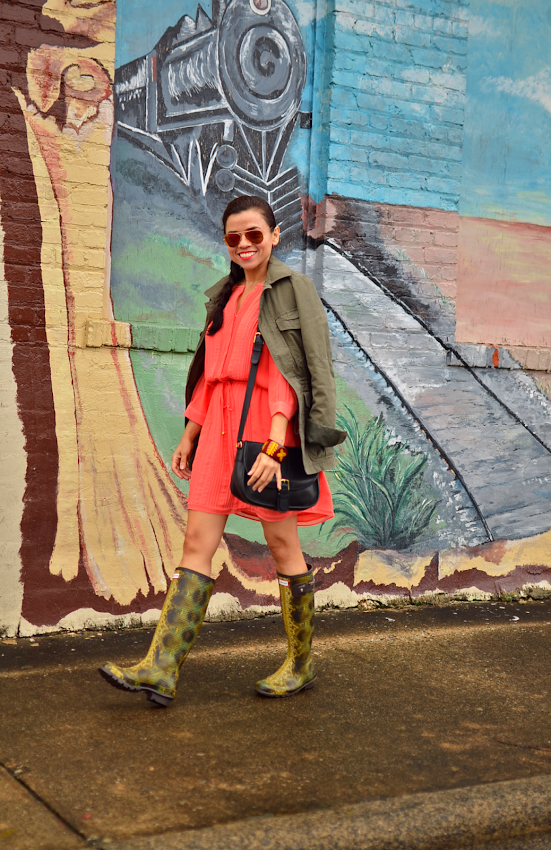 Outfit with coral and green