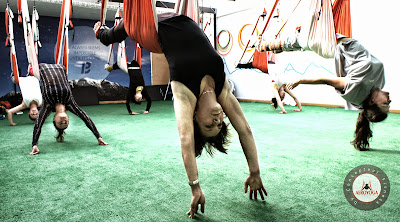 SEVILLA, ANDALUCIA, FORMACION PROFESORES Yoga Aéreo Posturas Cursos