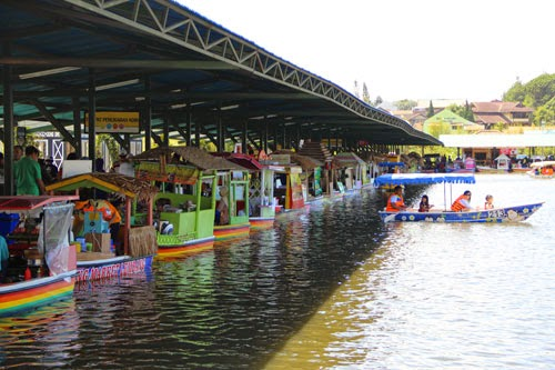 [Travel Destination] Floating Market Lembang