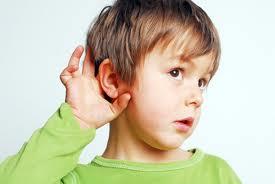写真:子供の聴覚