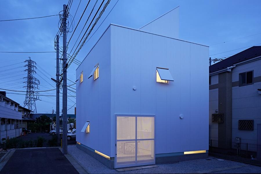 21-A-L-X-Sampei-Junichi-Architecture-Building-that-Envelops-Beauty-www-designstack-co