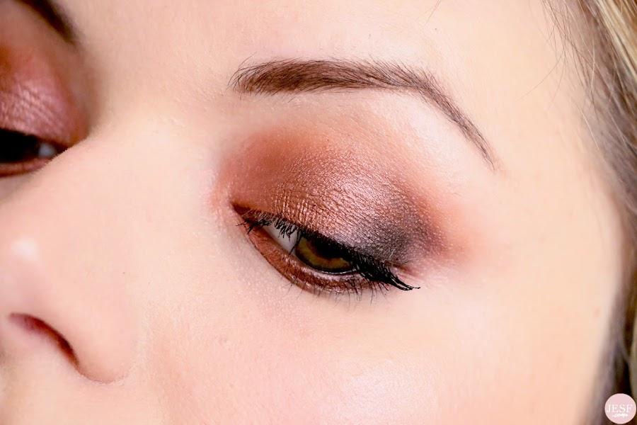 revue-palette-soft-glam-anastasia-beverly-hills-swatch-avis-makeup