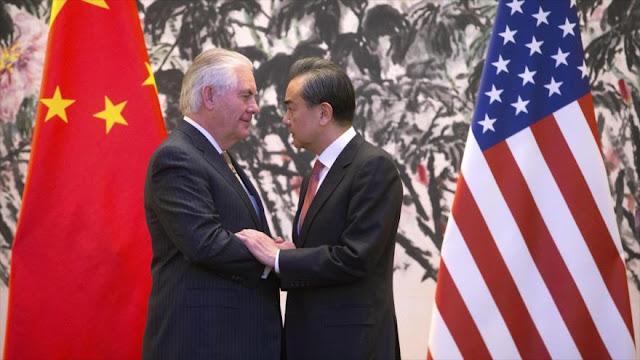 """Pekín urge a EEUU a """"corregir su error"""" contra empresas chinas"""