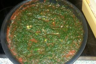 Soße für vegetarische vegane Lasagne