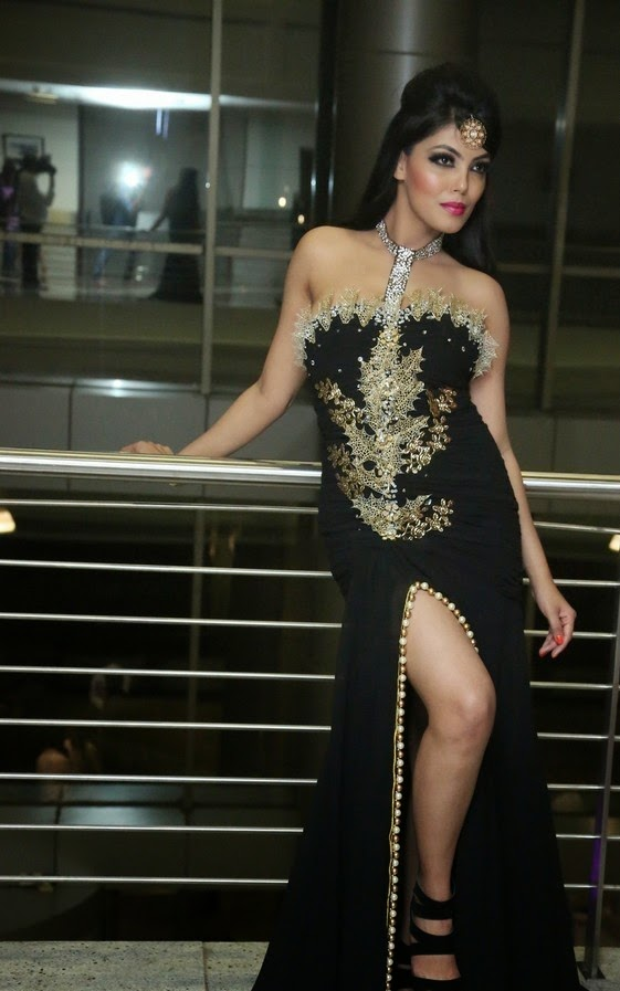 Deepa Actress at The Pink Affair Fashion Show Latest Spicy Stills