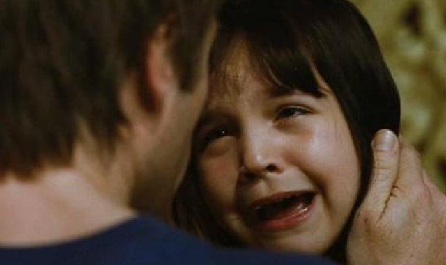 Αλκοολικός πατέρας δολοφονεί την 8χρονη κόρη του. Τα σπαρακτικά της λόγια, λίγο πριν πεθάνει, έχουν συγκλονίσει τον πλανήτη!