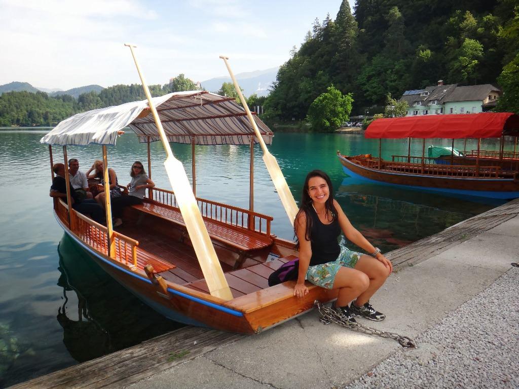 Barco para chegar à Igreja da Assunção Bled