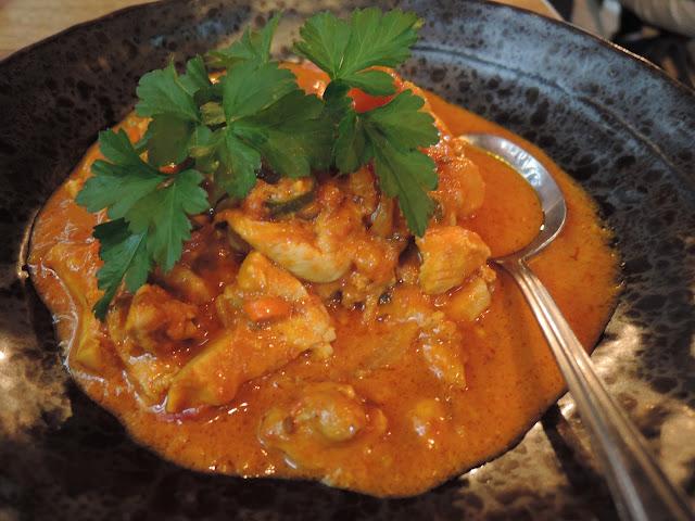 marmo bedhai;  chicken curry;  tibetan cuisine;  shimbu
