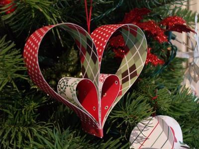 «52 причины любить тебя» — необычный подарок любимому, Ангелы на одноразовых бокалах (МК), Ангелы бывают разные — фотоидеи, Букет из носков своими руками, Букет роз из женских трусиков своими руками, Букет-сердце из гвоздик и конфет (МК), Бутылка с любовными признаниями (МК), Винтажная ореховая упаковка для крохотного подарка, Вышиваем ангелов: схемы для вышивки крестом, Гирлянды из гофрированных сердечек на День Влюбленных или свадьбу, Гирлянды из сердечек ко Дню святого Валентина, Гирлянда с сердечками из фетра (МК), Джентельменский букет для мужчины (МК), Задорные ангелы из соленого теста, Как окрасить живые цветы самостоятельно, Консервированный букет (декоративная бутылка своими руками), Конфетное сердце-коробка МК, Конфеты с пожеланиями — идея для любого праздника, Коробка-сердце для подарка из картона, Розовый букет из женских трусиков (МК), Розовый шар из гофрированной бумаги (МК), Розы-скрутки из фетра, Романтический подсвечник из стеклянной банки (МК), «Свечи, розы, шоколад» — конфетная композиция ко Дню Влюбленных Сердце из восковых мелков (МК), Соленые Ангелы: лепим из соленого теста, Сухие цветы для украшения ванной (МК), Топиарий-валентинка: кофейное деревце в форме сердца, Упаковка прямоугольной коробки в подарочную бумагу (МК), Упаковываем и оформляем подарки на День Влюбленных, Упаковка-цветок для конфет (МК), Цветок — оригинальная упаковка маленьких подарков, Цветочный шар из гофрированной бумаги (МК), что подарить любимому на день влюбленных, что подарить любимой на день влюблённых, подарок на день влюбленных своими руками, красивые подарки на день святого Валентина, подарки на Валентинов день, подарки для влюблённых, что можно подарить любимому, что можно подарить любимой, когда день влюбленных, подарки на 14 февраля для любимой, подарки на 14 февраля для любимой, что подарить женщина на день влюбленных, что подарить мужчине на день влюблённых, подарок девушке на день святого Валентина своими руками, подарок парню на день святого Валентина своими