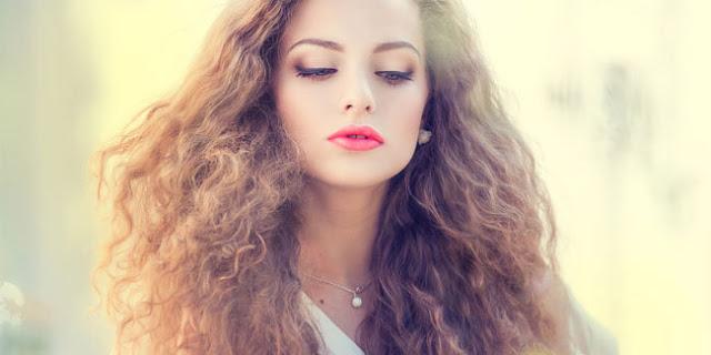 Mencari Tahu Tenetang Kepribadian Wanita Melalui Jenis Rambut