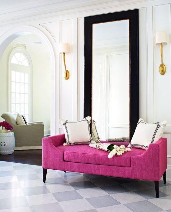Hydrangea hill cottage carolyne roehm for Fuschia bedroom ideas