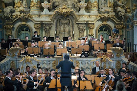 The Singapore Symphony Orchestra, conductor Lang Shui at the Frauenkirche, Dresden - photo Oliver Killig