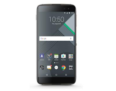 BlackBerry anunció hace poco que echaba el cierre a su división de hardware, pero como ya dijimos, esta decisión no implica que no vayamos a ver más equipos de la marca, la diferencia será que no estarán fabricados por la compañía, sino que correrán a cargo de otras compañías. Ya lo hicieron con la BlackBerry DTEK50, fabricada por TCL, y todo indica que seguirán los mismos pasos con la rumoreada BlackBerry DTEK60, cuyas características ya se han filtrado en más de una ocasión. En BlackBerry no paran y un benchmark habría destapado un nuevo modelo que de momento se conoce