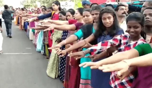 اطول وقفة نسائية احتجاجية فى الهند،اطول جدار نسائى فى الهند