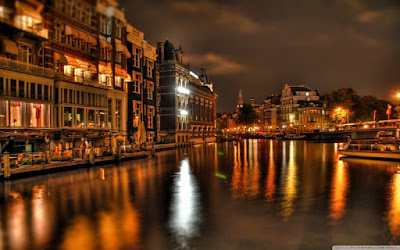 night_in_amsterdam