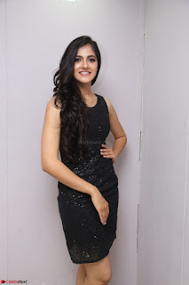 Simran Chowdary Model in Beautiful Black Dress at FBB Miss India 2017 finalists at Telangana auditions (5).JPG
