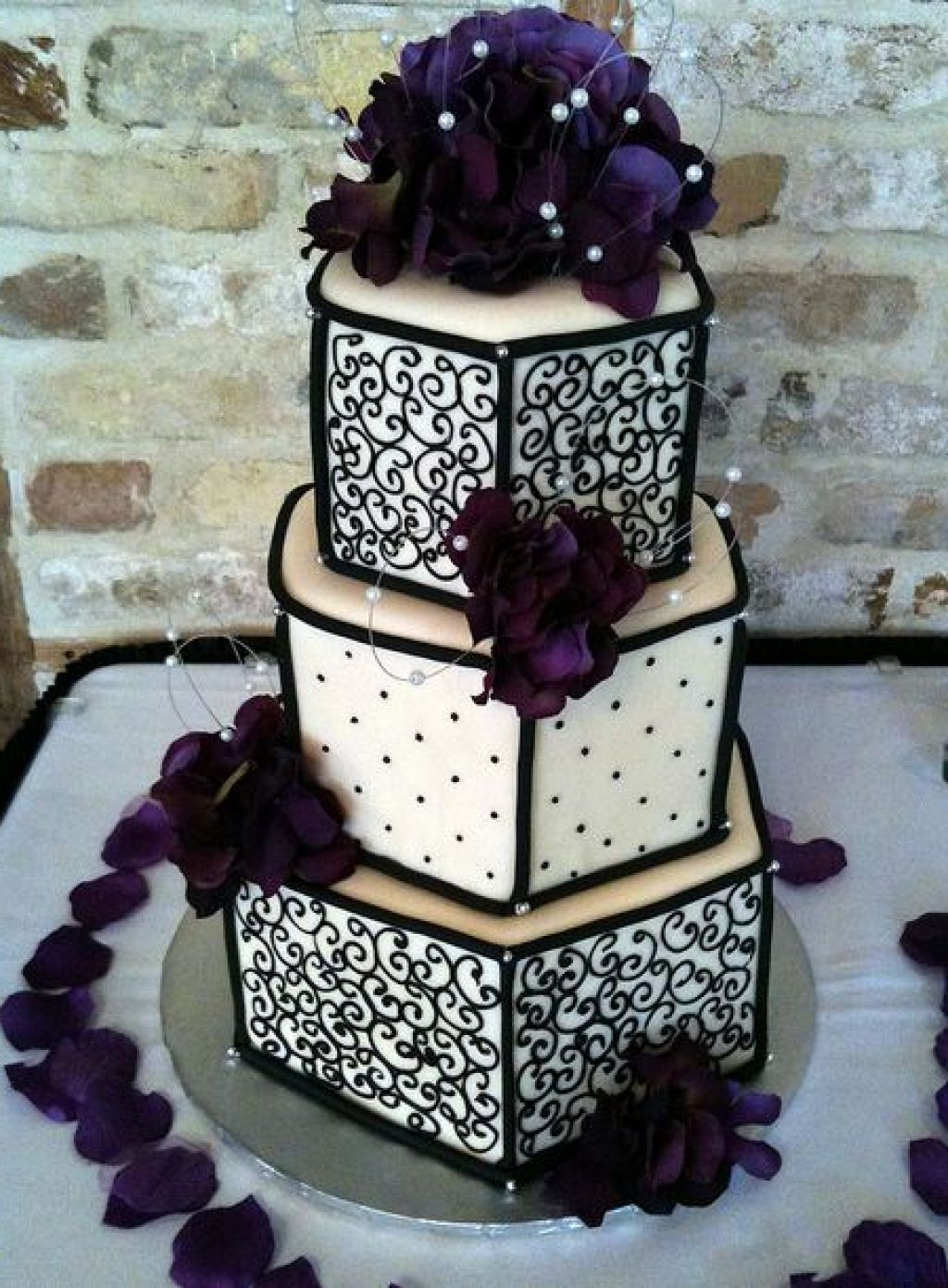 Purple Layer Wedding Cakes Design Ideas
