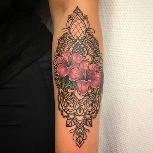 dantel dövmeleri floral lace tattoos